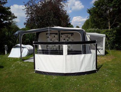Windscherm op de camping